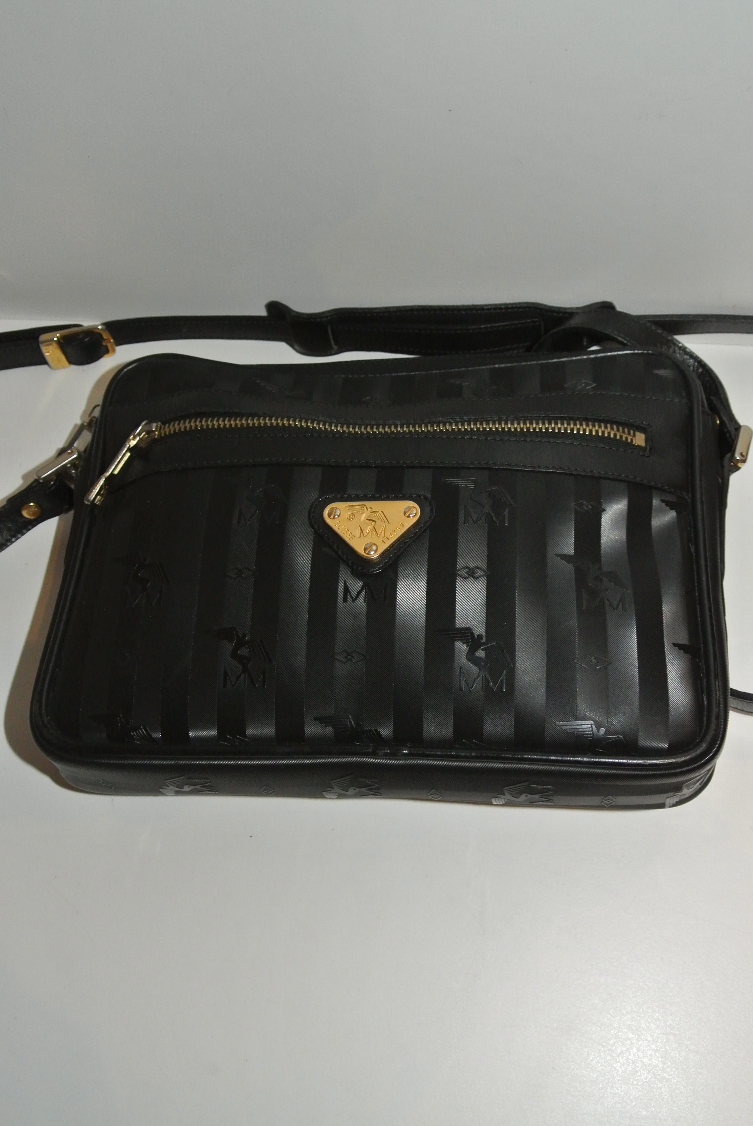 5a4b70cd6d597 MAISON MOLLERUS TASCHE UMHÄNGETASCHE SCHWARZ GOLD LONDON Handtaschen